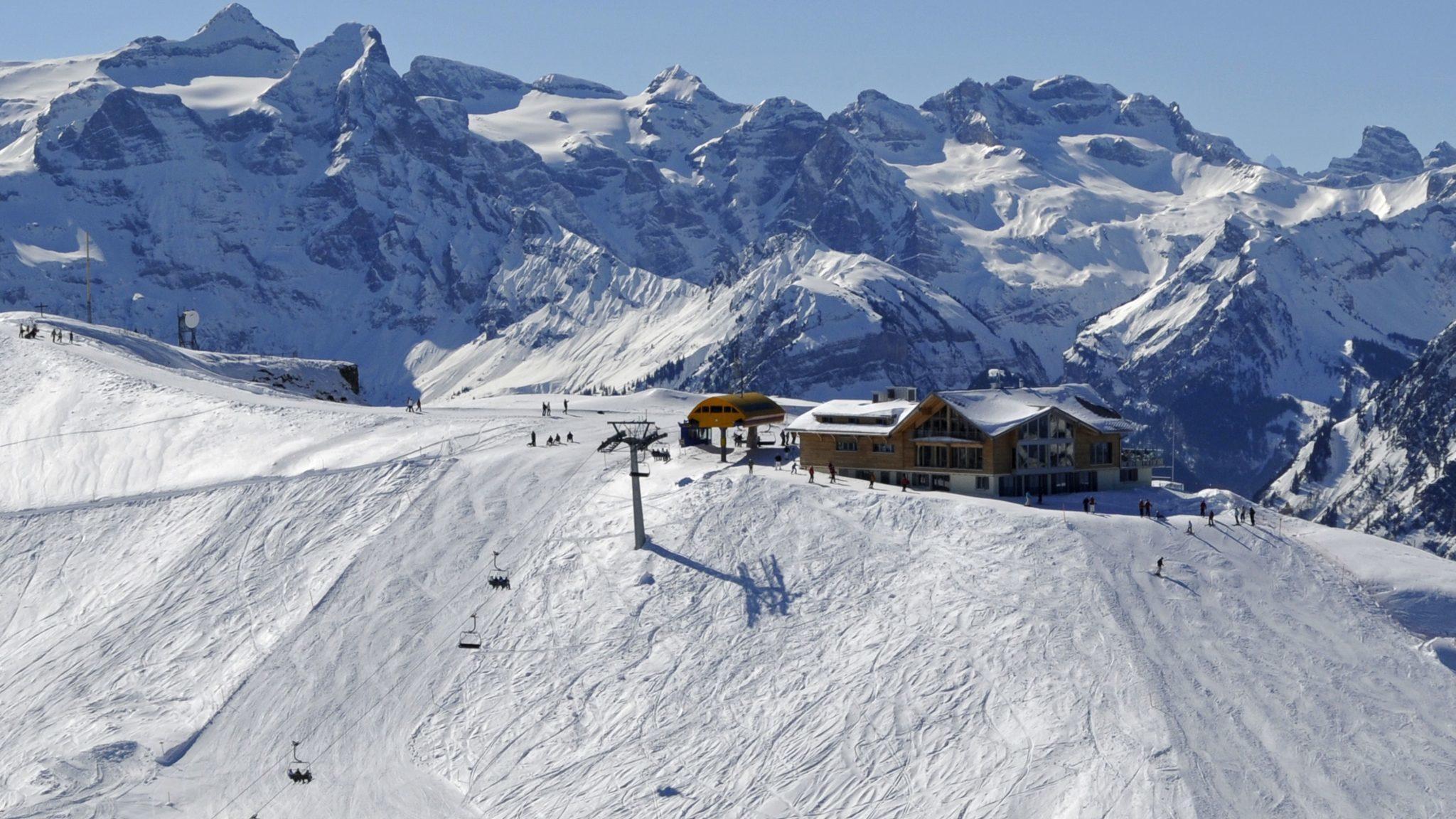 Skiing • Stoos